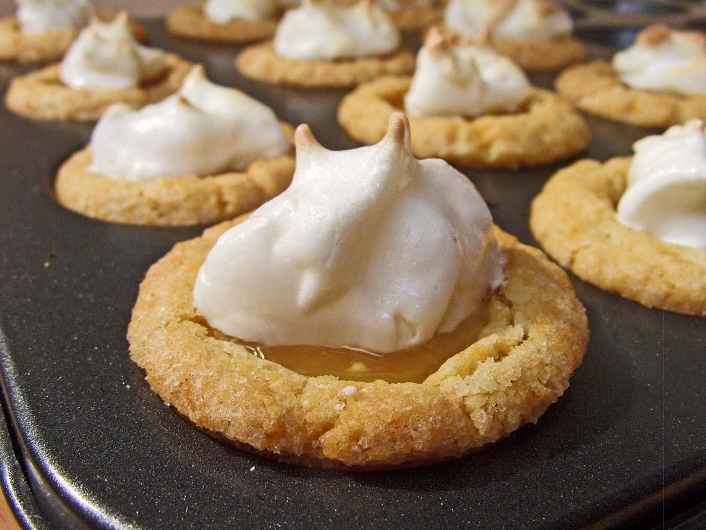 Lemon Meringue Cookie Cups | Cakescottage