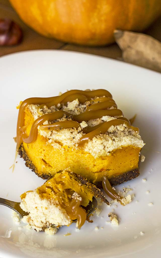 Pumpkin-Cheesecake-Bars with Gingersnap-Crust