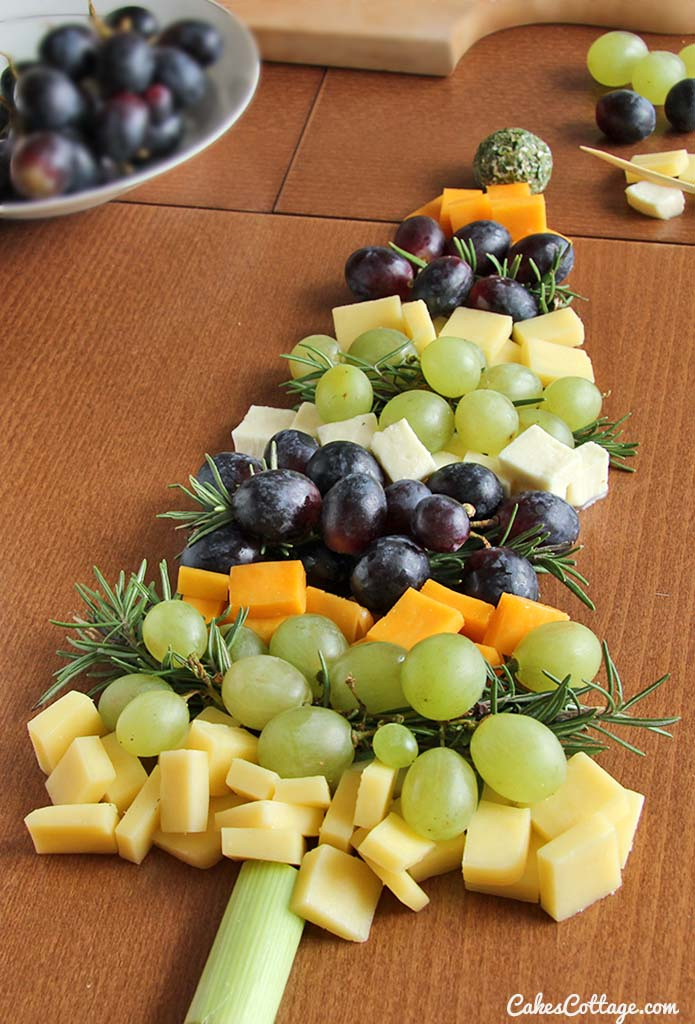 Christmas Cheese Board Ideas.Christmas Tree Cheese Board