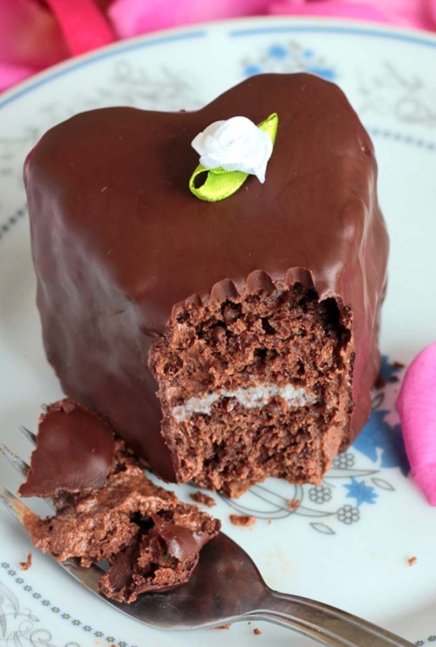 How To Make Valentine Cake At Home With Out Egg