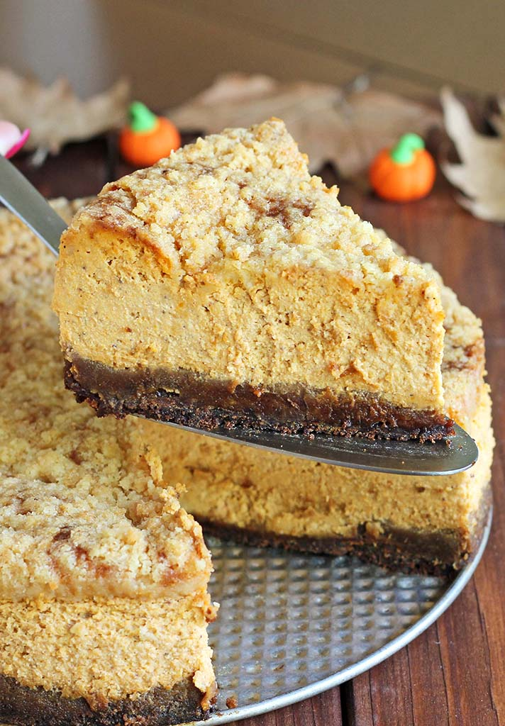... shake things up a bit and make Gingersnap Pumpkin Cheesecake instead