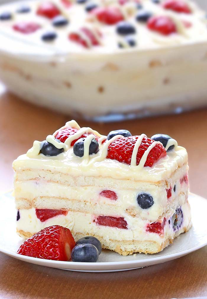 No Bake Summer Berry Icebox Cake - Cakescottage