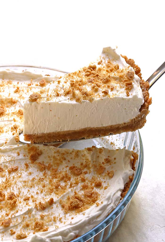 The BEST NO BAKE PIE you will ever have! Light and fluffy texture, very smooth consistency and a melt-in-your-mouth kind of bite.