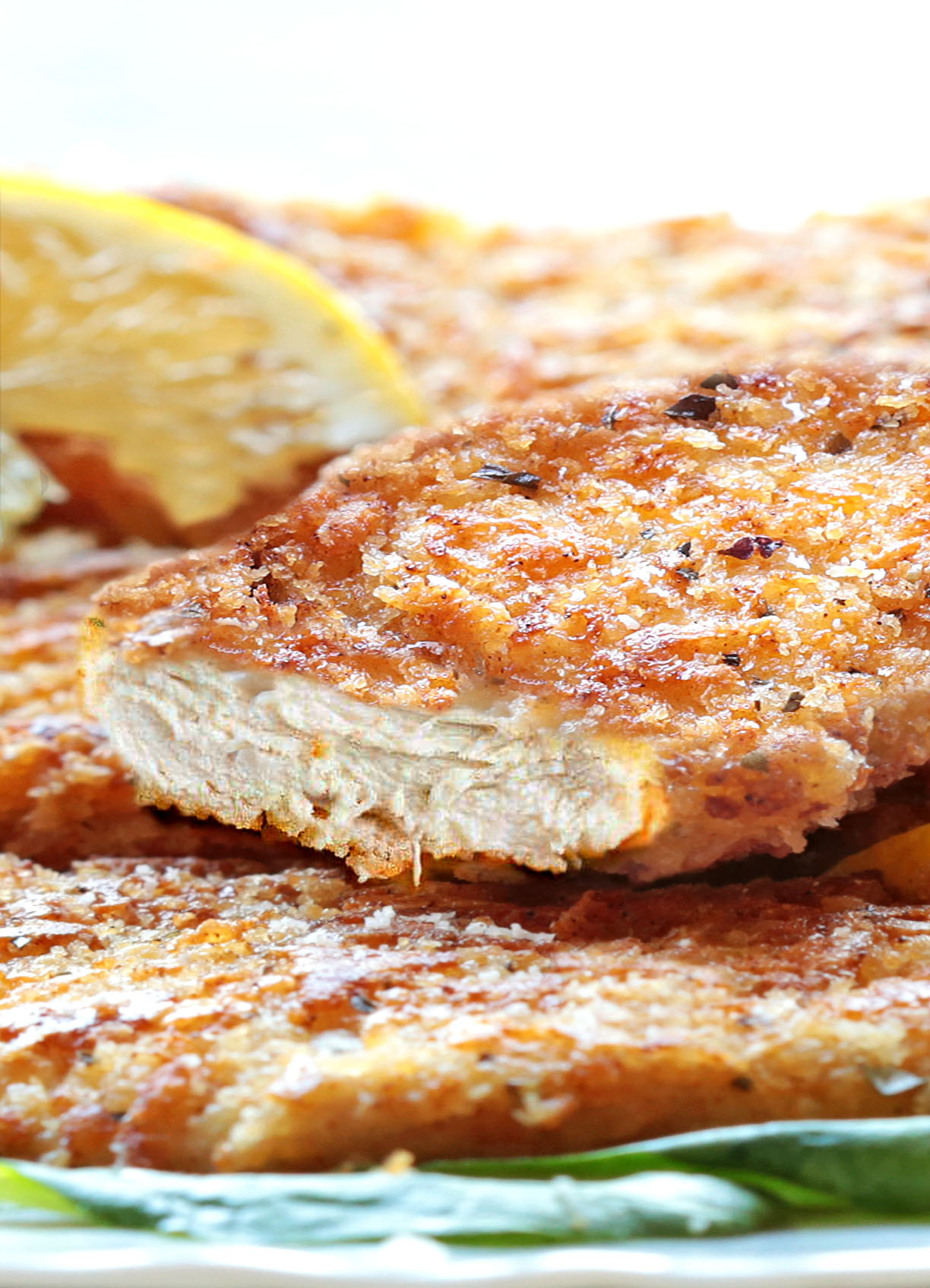 This outstanding parmesan crusted chicken recipe is a MUST on your chicken repertoire!