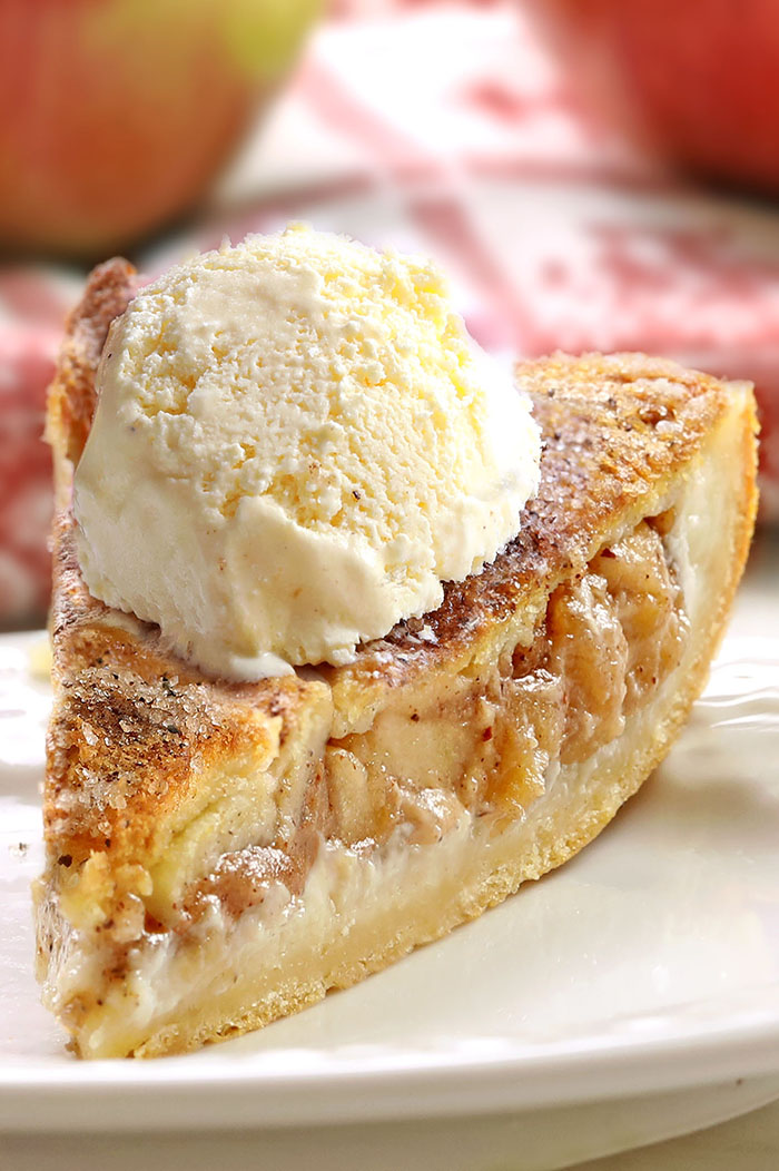 Apple Pie Cheesecake Dessert is quick and easy with minimal effort. It starts and ends with Crescent Rolls, with simplest apple pie and cheesecake filling.